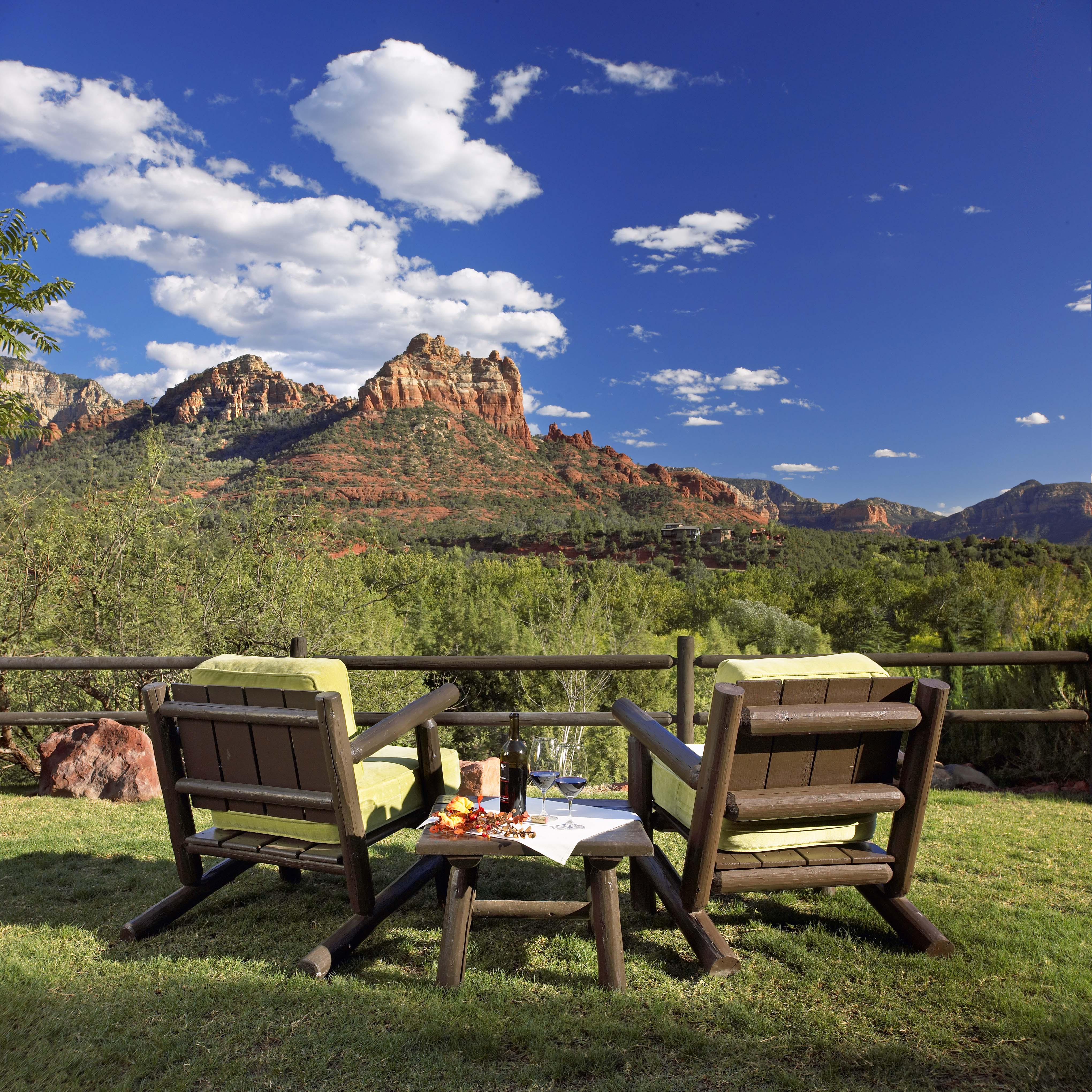 "sedona, arizona makes the ""20 best small towns to visit in 2014"